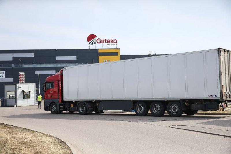 """""""Girtekos"""" įmonių grupė – vienas didžiausių vežėjų visoje Europoje. Vladimiro Ivanovo (VŽ) nuotr."""