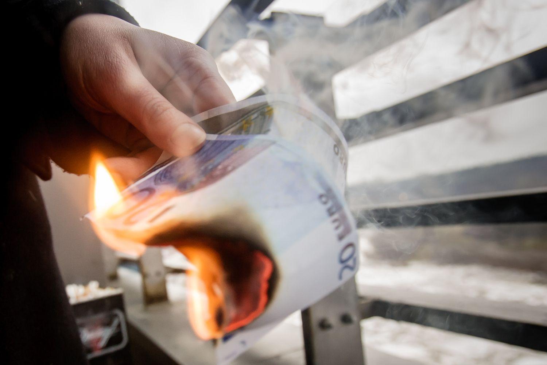 Nafta euro zonos infliaciją pašokdino aukščiau prognozių