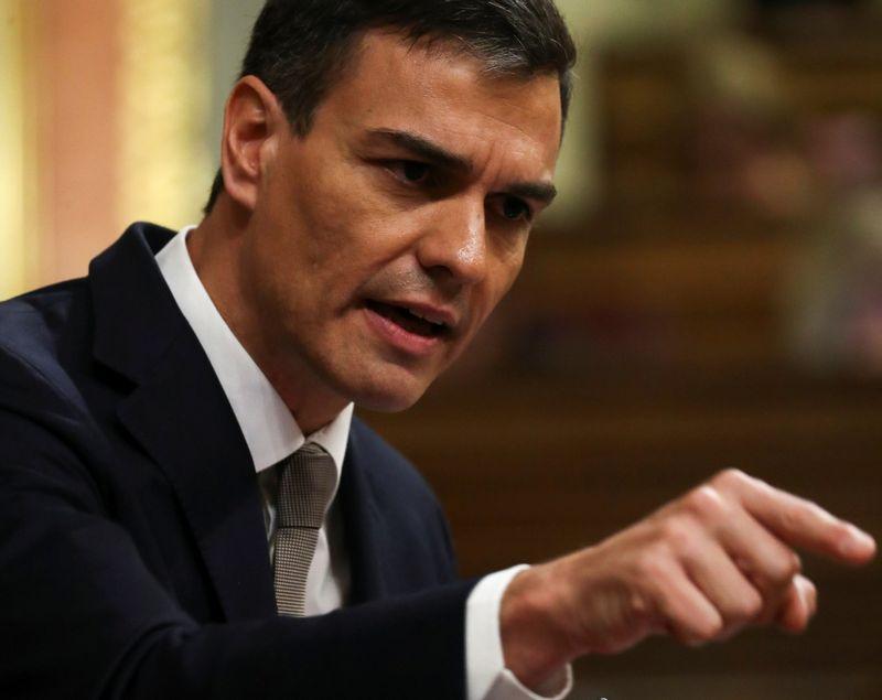 """Naujasis Ispanijos premjeras Pedro Sanchezas. Sergio Perezo (""""Reuters"""" / """"Scanpix"""") nuotr."""