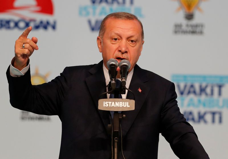 "Turkijos prezidentas Recepas Tayyipas ErdoganasOsman Orsal (""Reuters"" / ""Scanpix"") nuotr."