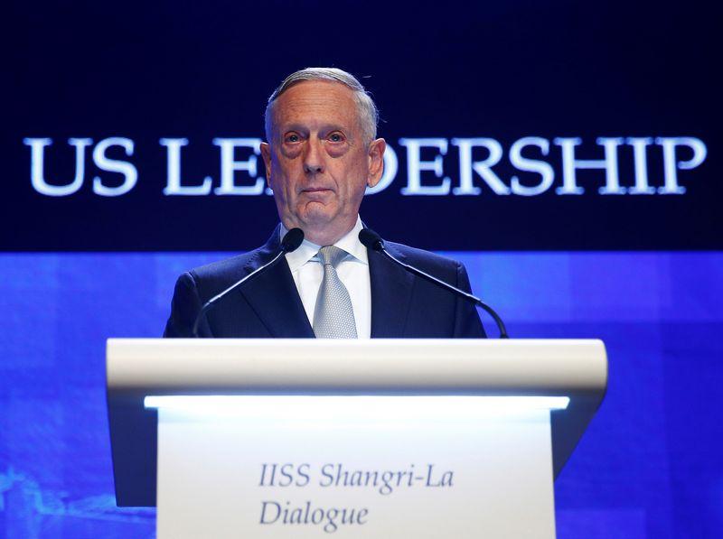 Jamesas Mattisas, JAV gynybos sekretorius, kalba saugumo viršūnių susitikime Singapūre. Edgar Su (Reuters / Scanpix) nuotr.