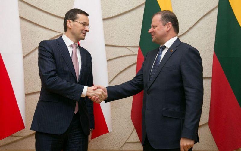 Iš kairės: Mateuszas Morowieckis, Lenkijos premjeras, ir Saulius Skvernelis, Lietuvos premjeras. Vyriausybės nuotr.