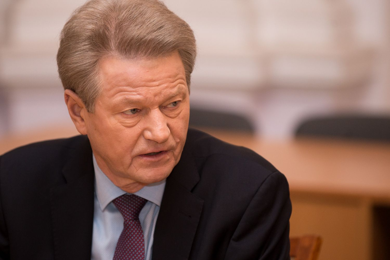G. Vainauskas ir R. Paksas neigia kaltinimus korupcija
