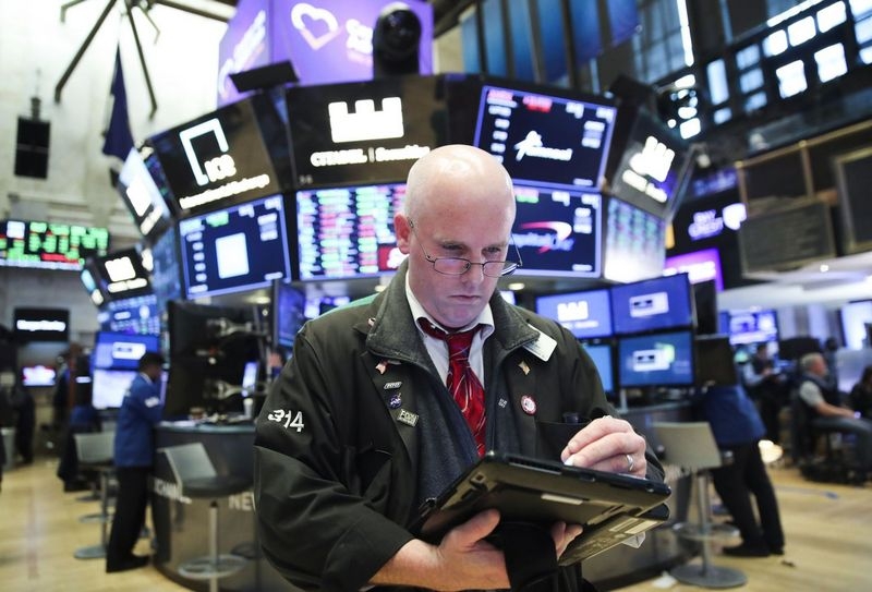 (180521) -- NEW YORK, May 21, 2018 (Xinhua) -- A trader works at the New York Stock Exchange in New York, the United States, on May 21, 2018. U.S. stocks closed higher on Monday. The Dow rose 1.21 percent to 25,013.29, and the S&P 500 rose 0.74 percent to 2,733.01, while the Nasdaq increased 0.54 percent to 7,394.04. (Xinhua/Wang Ying)  - Wang Ying -//CHINENOUVELLE_CHINE012503/Credit:CHINE NOUVELLE/SIPA/1805220847