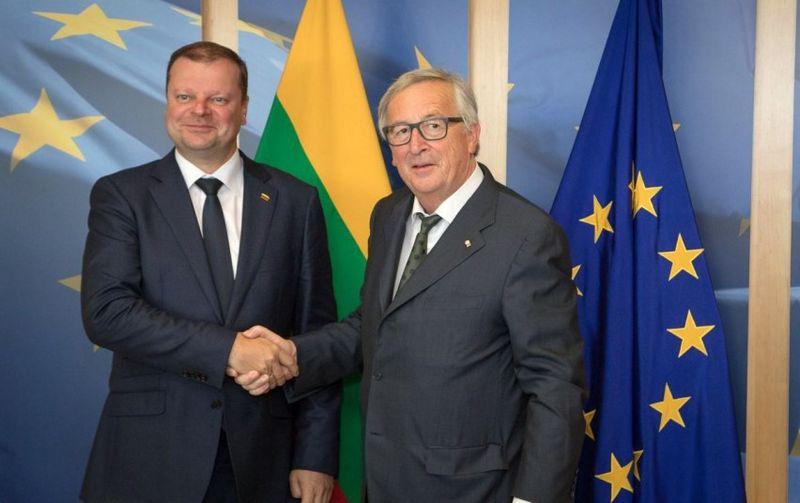 Saulius Skvernelis ir J.C. Junckeris. LRV nuotr.