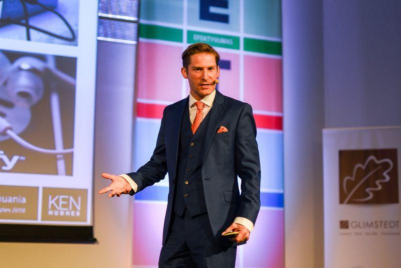 Kenas Hughesas, pasaulyje pripažintas vartotojų ir pirkėjų elgsenos ekspertas. Ryčio Galadausko (VŽ) nuotr.
