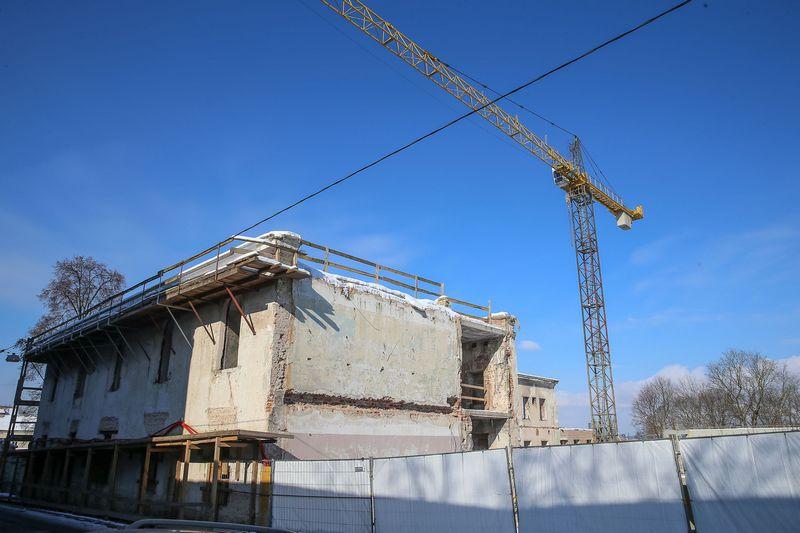 """Vilniuje statomas """"Misionierių sodų"""" gyvenamųjų namų kompleksas. Vladimiro Ivanovo (VŽ) nuotr."""