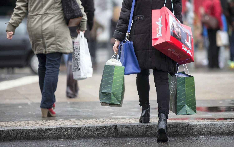 Elektroninė komercija mažina fizinių parduotuvių pelnus