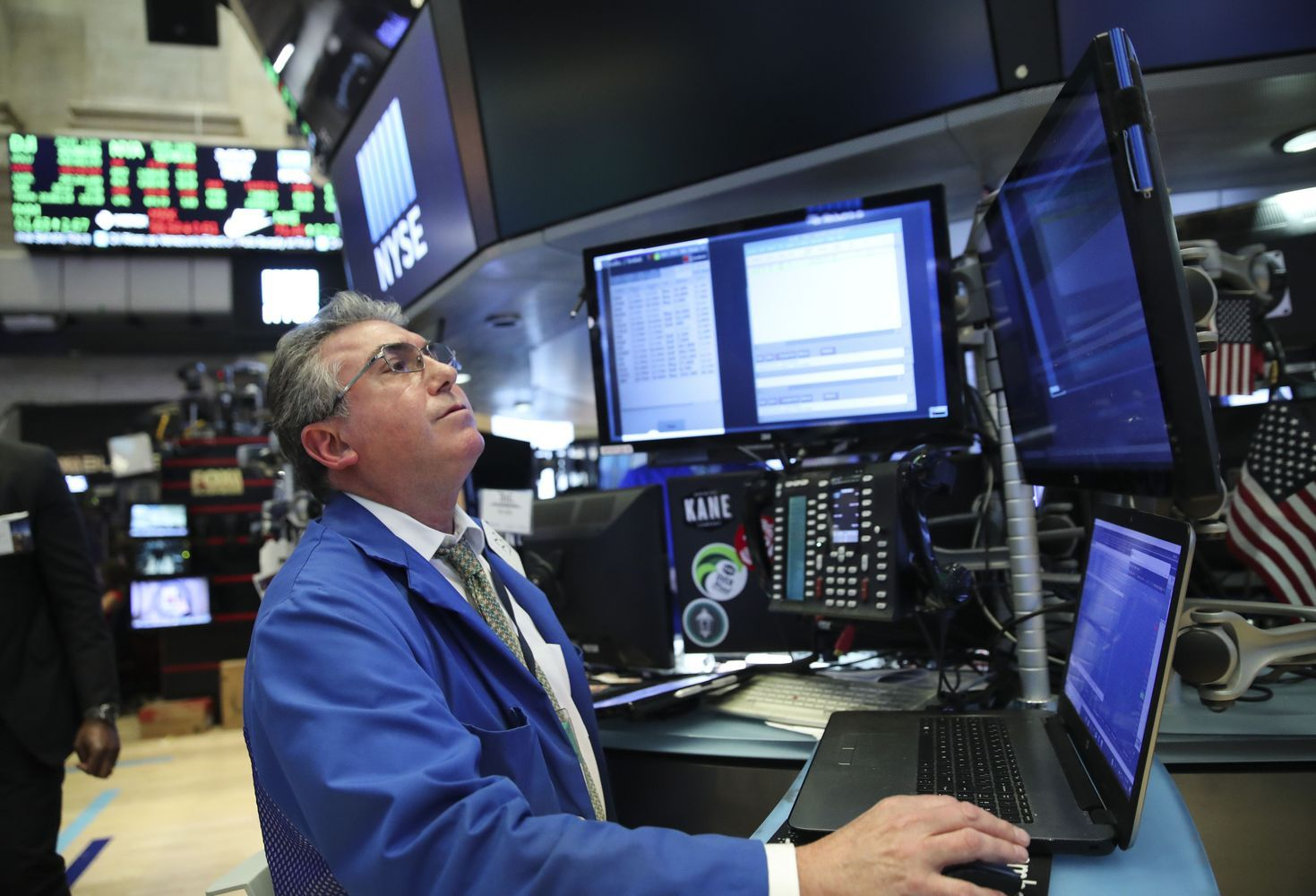 Asia Stocks Shrug Off G-7 Fallout; Dollar Steadies: Markets Wrap