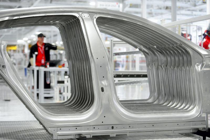 "Automobilių ""Tesla"" gamykla Fremonte. Noah Berger (Reuters / Scanpix) nuotr."