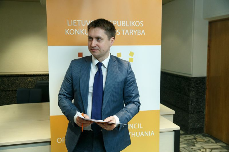 Konkurencijos tarybos narys Elonas Šatas. Vladimiro Ivanovo (VŽ) nuotr.