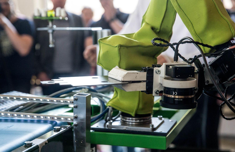 Robotai - naujos pramonės šaukliai