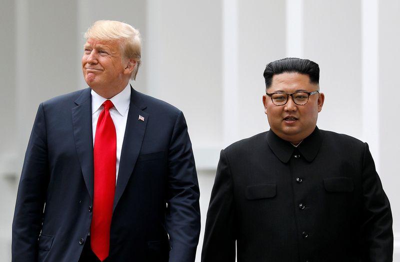 """Istorinis dviejų lyderių susitikimas kol kas teikia mažai aiškumo dėl tolesnių valstybių santykių. Jonathano Ernsto (""""Reuters"""" / """"Scanpix"""") nuotr."""
