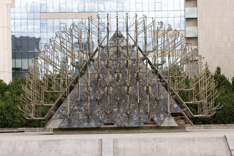 Pavogta galėjo būti 1–1,5 tonos buvusio fontano dalių. Juditos Grigelytės (VŽ) nuotr.