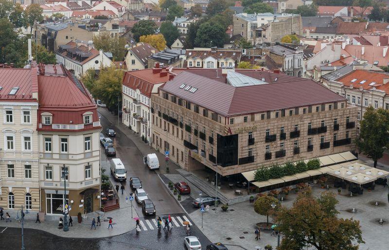 Aukcione buvo parduotos 264 kv. metrų ploto patalpos L. Stuokos - Gucevičiaus gatvėje. Vladimiro Ivanovo (VŽ) nuotr.