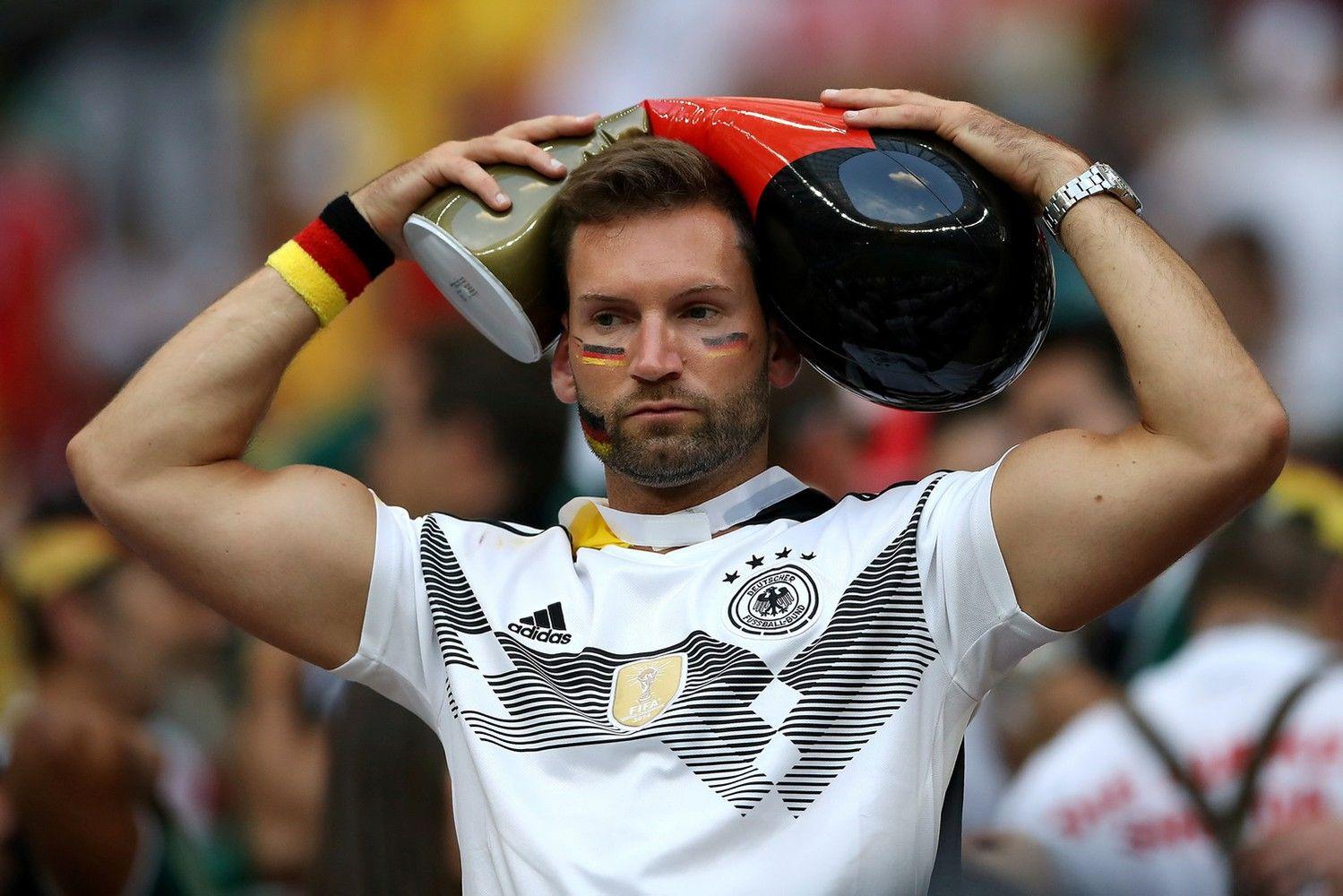 Sekmadienio staigmena: pasaulio čempionė pralaimėjo Meksikai