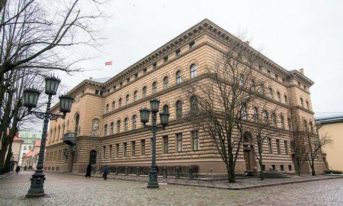 Latvijoje suimtas parlamento narys, įtariamas neskaidriu partijos finansavimu