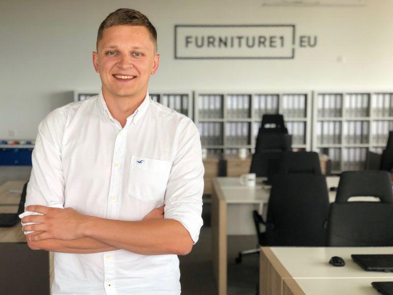 """Pijus Makarevičius, UAB """"Baldai1"""" įkūrėjas: """"Anglijoje bandėme 4 kartus, Slovakijoje – dvejus metus. Mano požiūris """"niekada nepasiduok"""" įmonei yra atnešęs daug nuostolių."""" Bendrovės nuotr."""