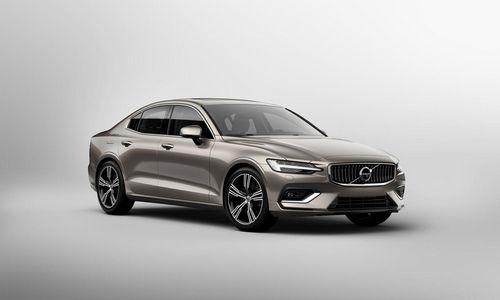 """Pagamintas JAV: naujasis """"Volvo S60"""""""