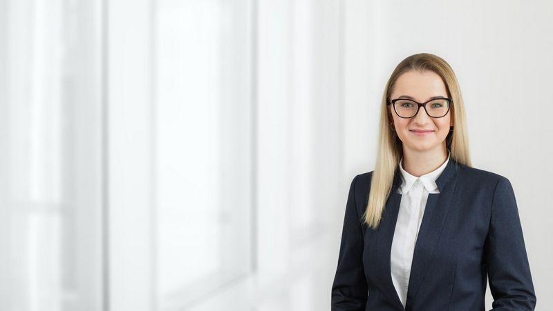 """Justina Aužbikavičienė, advokatų kontoros """"Cobalt"""" asocijuota teisininkė. Bendrovės nuotr."""