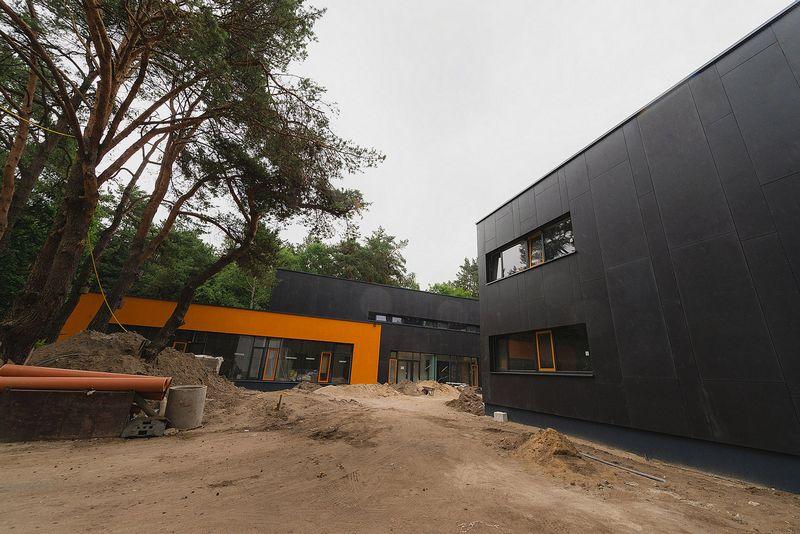 Kauno Romainių mikrorajone baigiama statyti  vienintelė per Nepriklausomybės laikotarpį naujai pastatyta valstybinė mokykla. Kauno m. savivaldybės nuotr.
