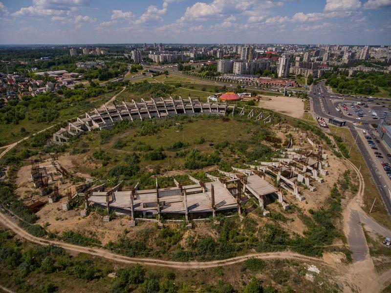 Nebaigtas statyti Nacionalinis stadionas Šeškinės mikrorajone. Vladimiro Ivanovo (VŽ) nuotr.