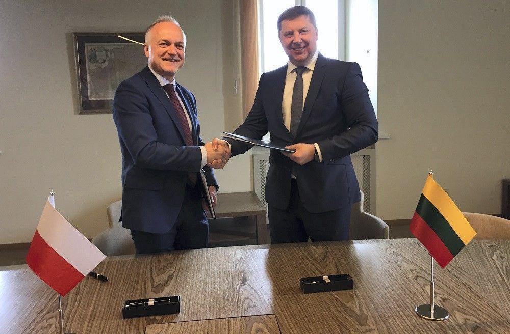 """""""Lietuvos geležinkeliai"""" pradės krovinių pervežimą užsienyje"""