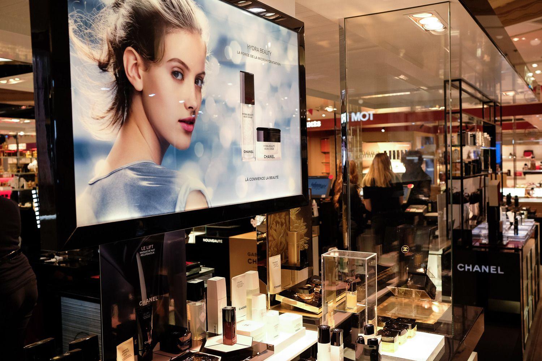 """Pirmąkart paskelbė """"Chanel"""" ataskaitą: apyvarta beveik 10 mlrd. USD"""