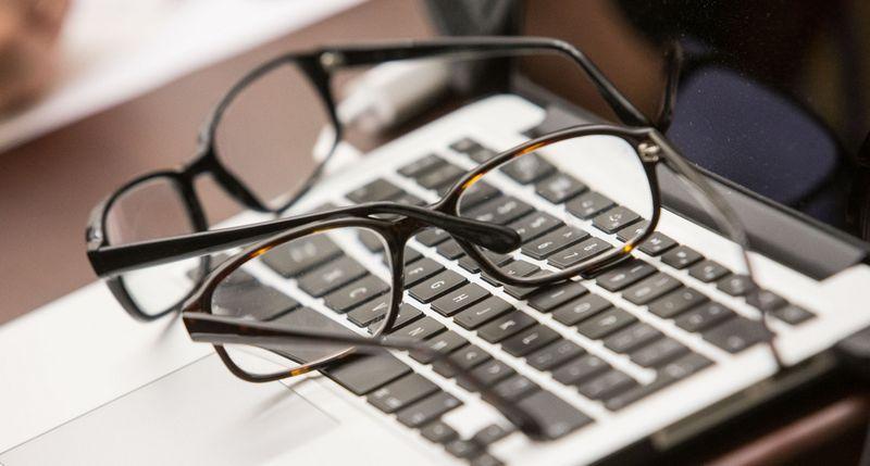 Įsigyjant jau veikiantį verslą, būtina ypač įdėmiai patikrinti, ar nėra užslėptų skolų. Juditos Grigelytės (VŽ) nuotr.