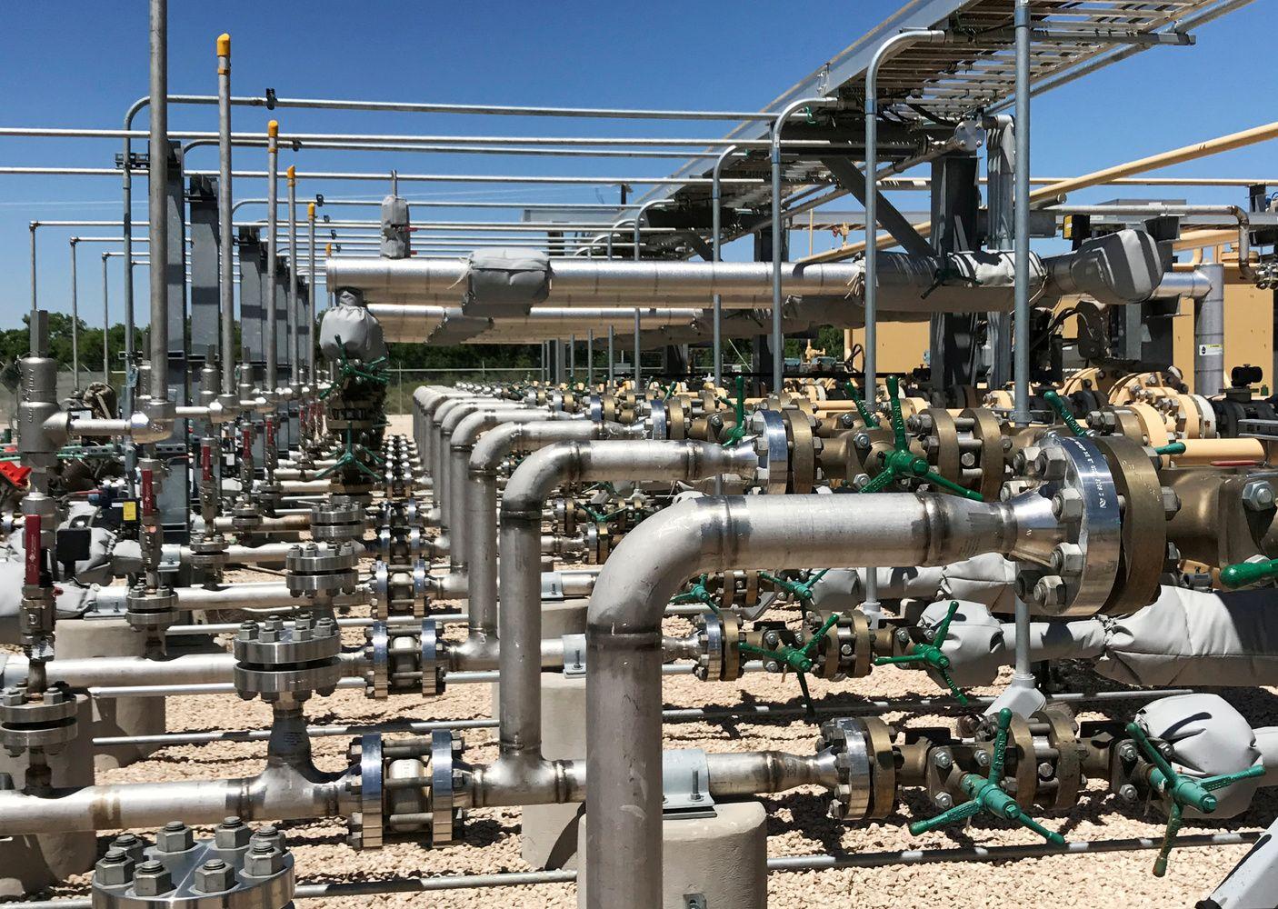Gavybos didinimas nepadėjo – nafta toliau brangsta