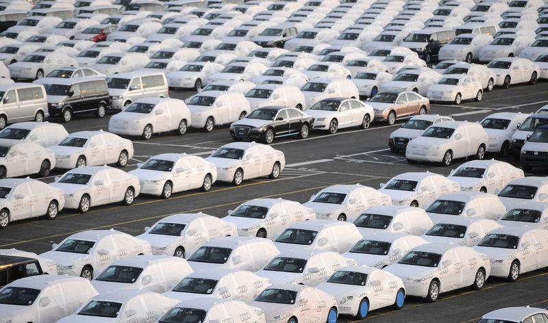 """Vašingtonas jau nusitaikė ir į automobilių sektorių.  Fabiano Bimmerio (""""Reuters"""" / """"Scanpix"""") nuotr."""