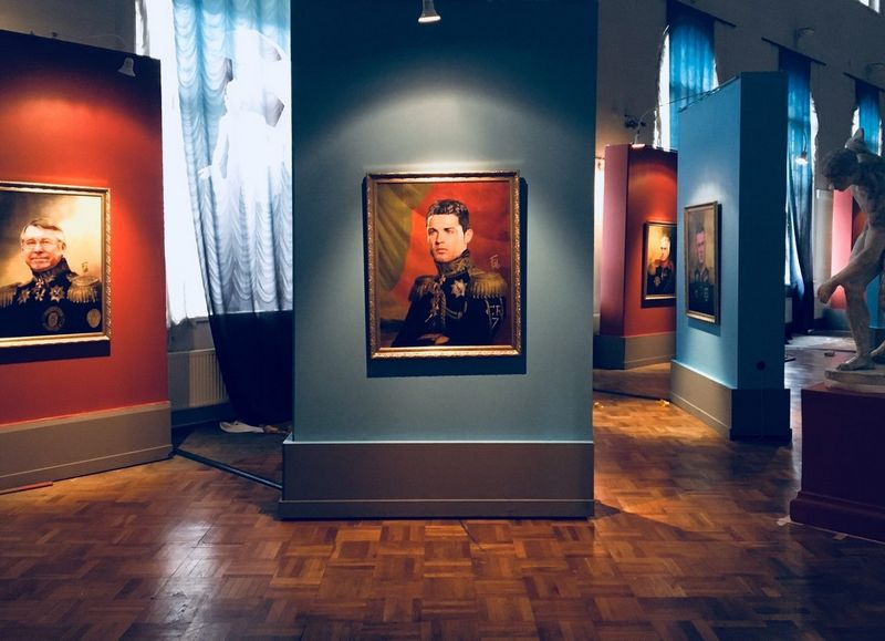 Menininko Fabrizio Birimbelli paveiksle – istorinę uniformą vilkintis Christiano Ronaldo. rusijos meno akademijos muziejaus nuotr.