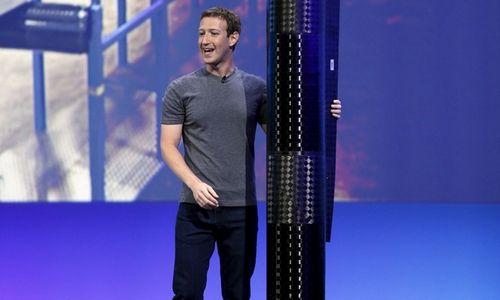 """""""Facebook"""" atsisako internetą tiekiančio lėktuvo projekto"""