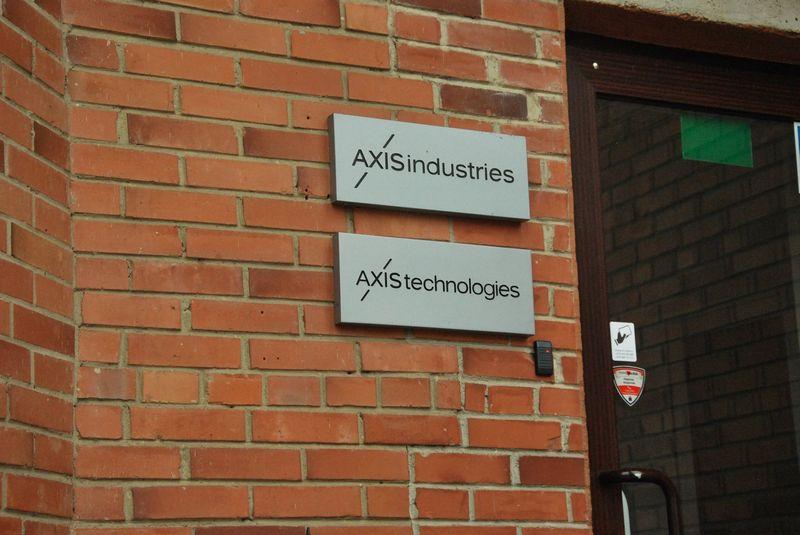 """Inžinerinių ir technologinių sprendimų įmonių grupės """"Axis Industries"""" gamykla Kaune. Indrės Sesartės (VŽ) nuotr."""