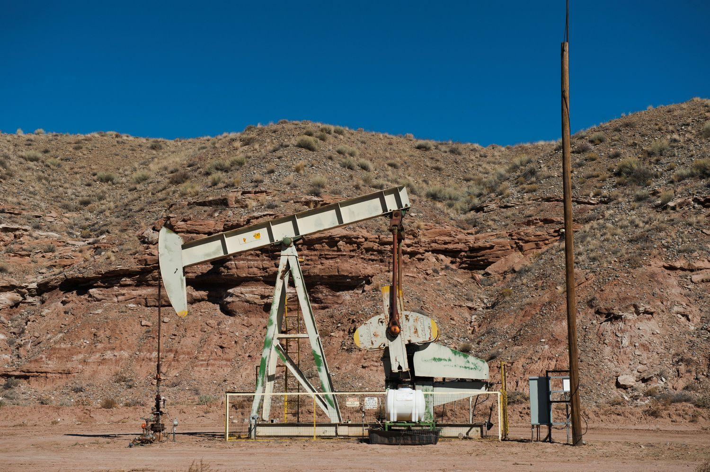 """Trumpas """"paderino"""" naftos kainas su Saudo Arabijos karaliumi"""