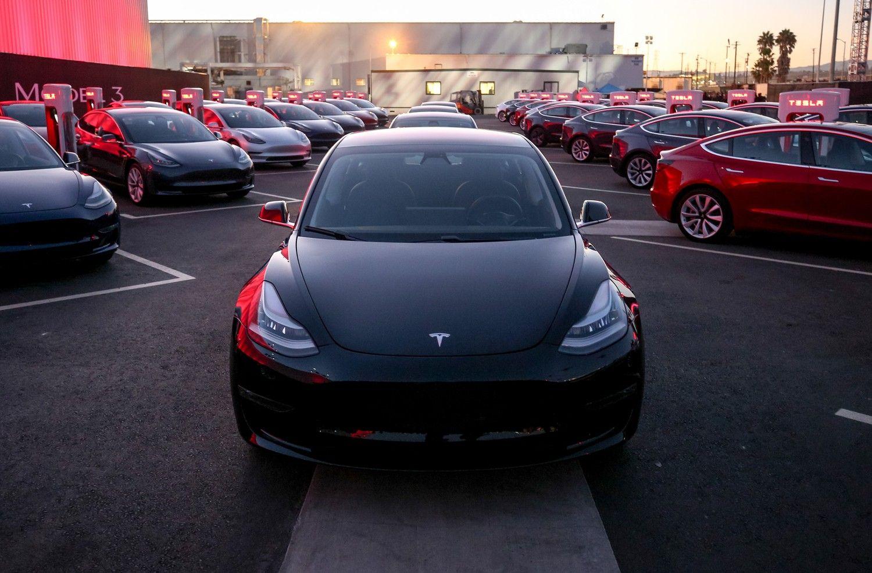 """""""Tesla"""" įveikė skausmingai užsitęsusį sunkumą"""