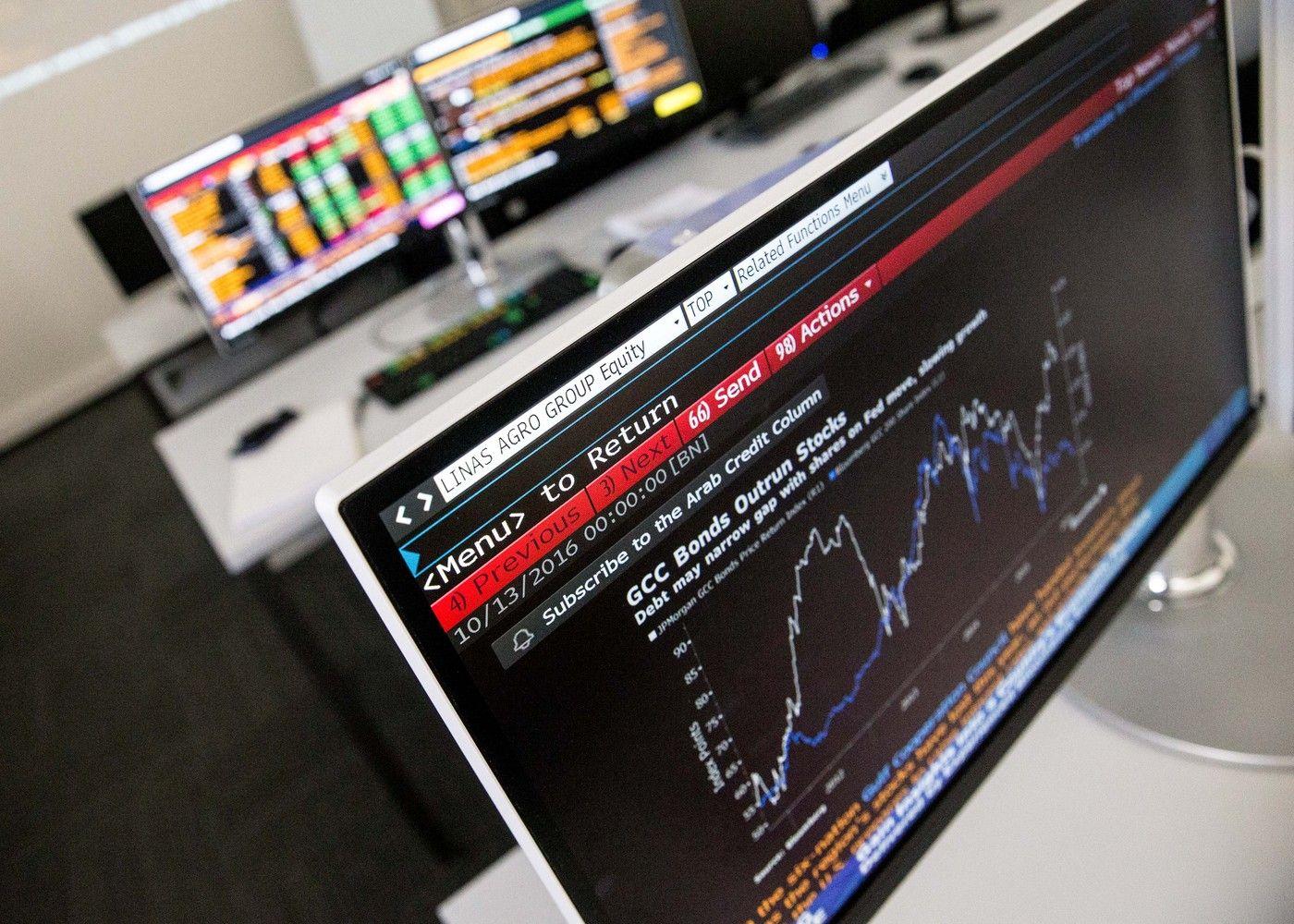 Akcijos darbuotojams: motyvacija ar auksiniai antrankiai