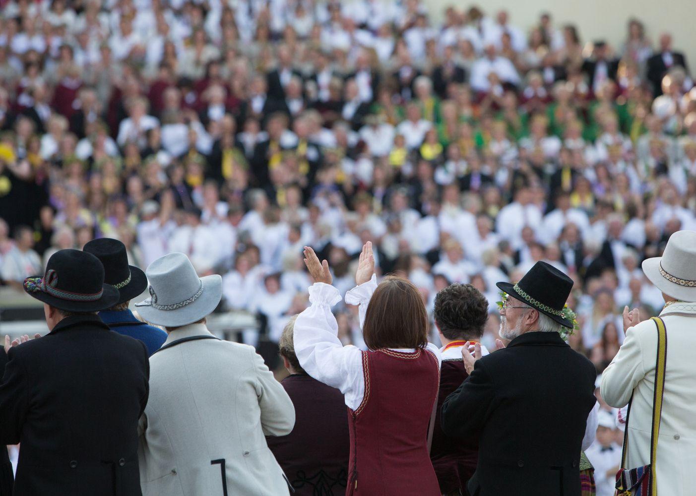 Dainų šventės dalyvių maitinimu suskubo rūpintis verslai