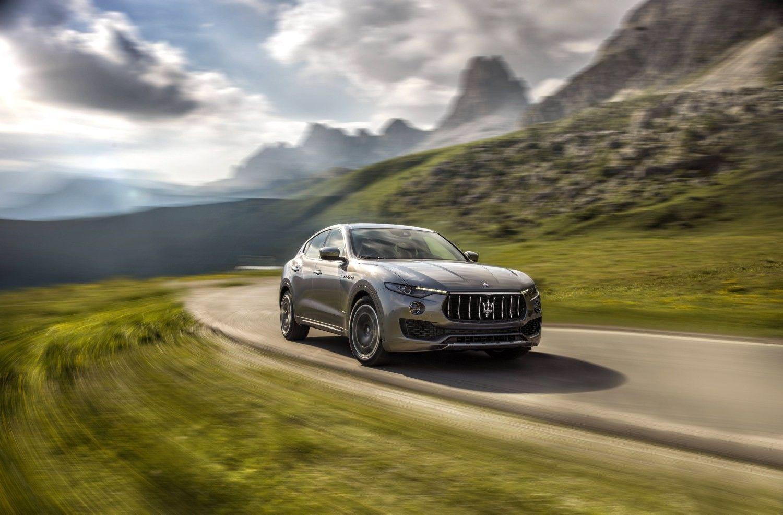 """""""Maserati"""" salonuose – daugiausia modelių per visą kompanijos istoriją"""