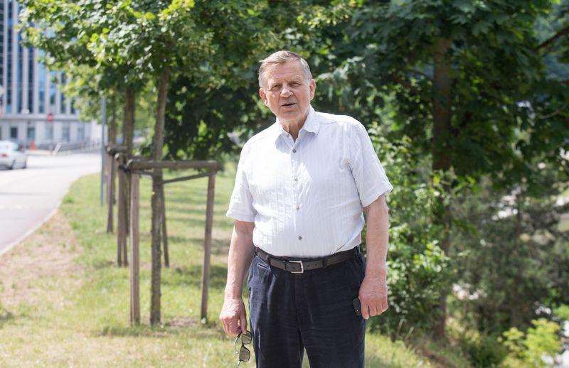 """Eugenijus Arvydas Janulaitis, biochemikas, buvęs biotechnologijų bendrovės """"Fermentas"""" mokslo direktorius ir akcininkas. Juditos Grigelytės (VŽ) nuotr."""