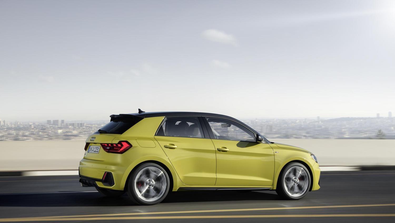 """Naujasis """"Audi A1"""": daugiau erdvės, technologijų, vyriškumo ir jokio dyzelio"""