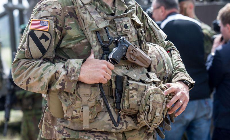 JAV savo karinėms išlaidoms kasmet skiria beveik 4% BVP, kai absoliuti dauguma europietiškų NATO valstybių - vos po 1-1,5%. Juditos Grigelytės (VŽ) nuotr.