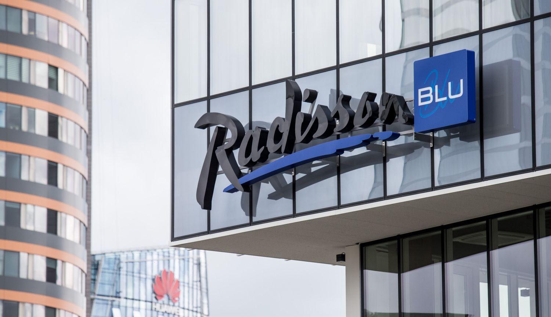 """Atidaromas """"Radisson Blu"""" priestatas: didžiausias viešbutis tapo dar didesnis"""