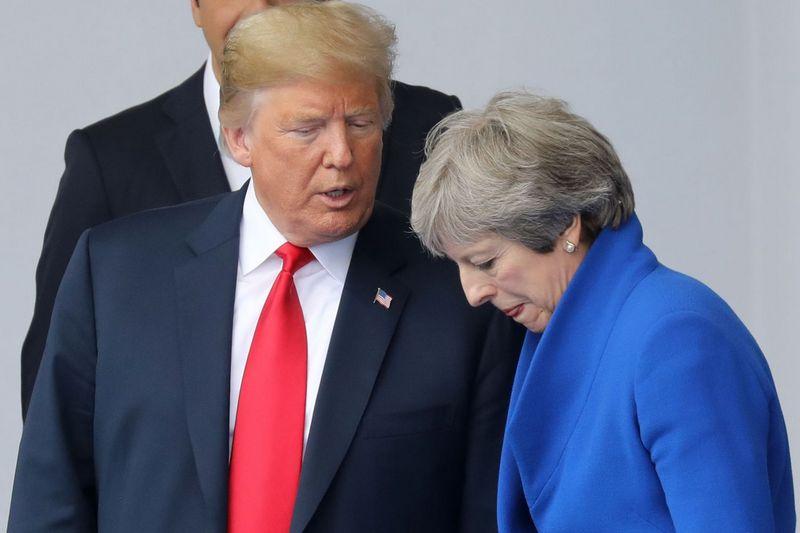 """JAV prezidentas Donaldas Trumpas ir Jungtinės Karalystės premjerė Theresa May. """"Sipa"""" / """"Scanpix"""" nuotr."""