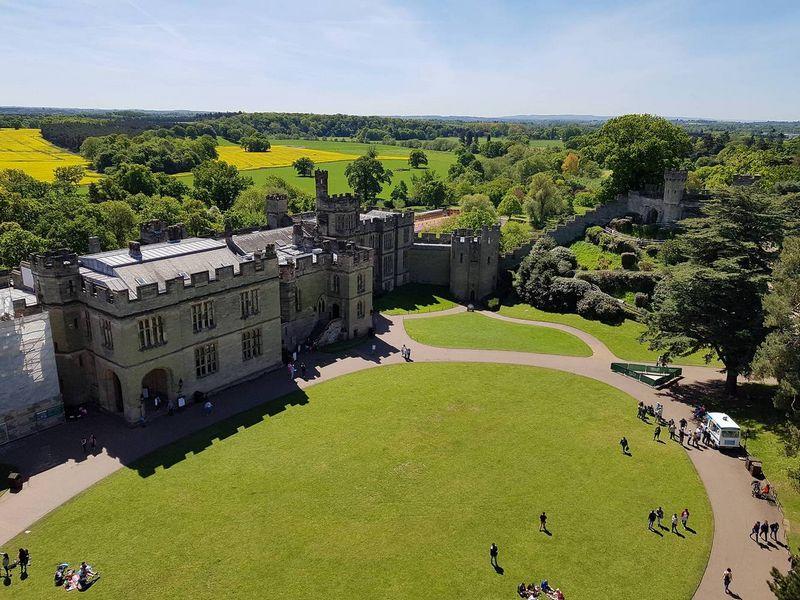 Netoli Stratfordo stovi bene geriausiai išlikusi ir įspūdingiausia centrinės Anglijos dalies pilis – Vorikas (Warwick).  Tomo Juknevičiaus nuotr.