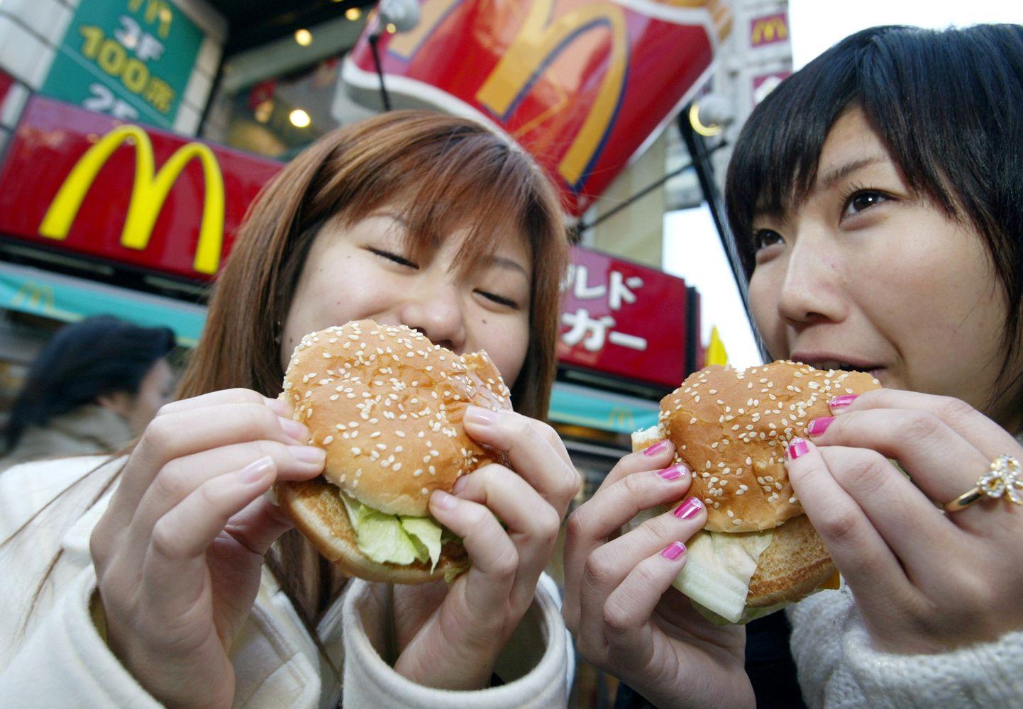 """""""Big Mac"""" indeksas: kiek nuvertintas euras"""