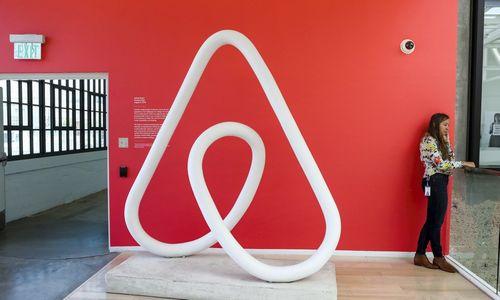 """Eurokomisija liepė """"Airbnb"""" teikti vartotojams tikrąsias kainas"""