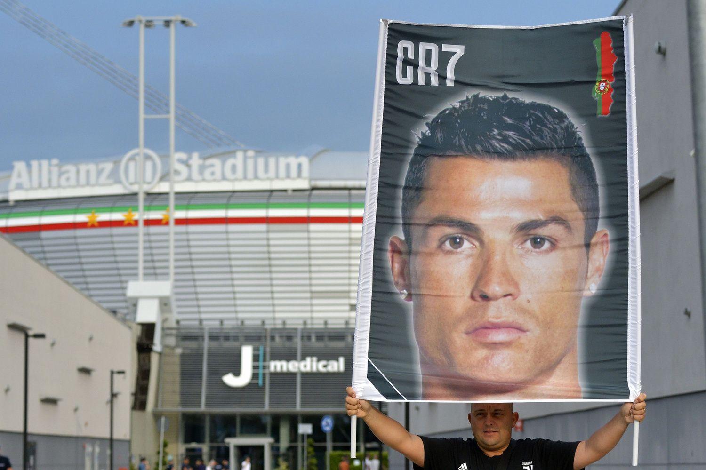 Per pirmąją dieną parduota per 520.000 marškinėlių su Ronaldo vardu