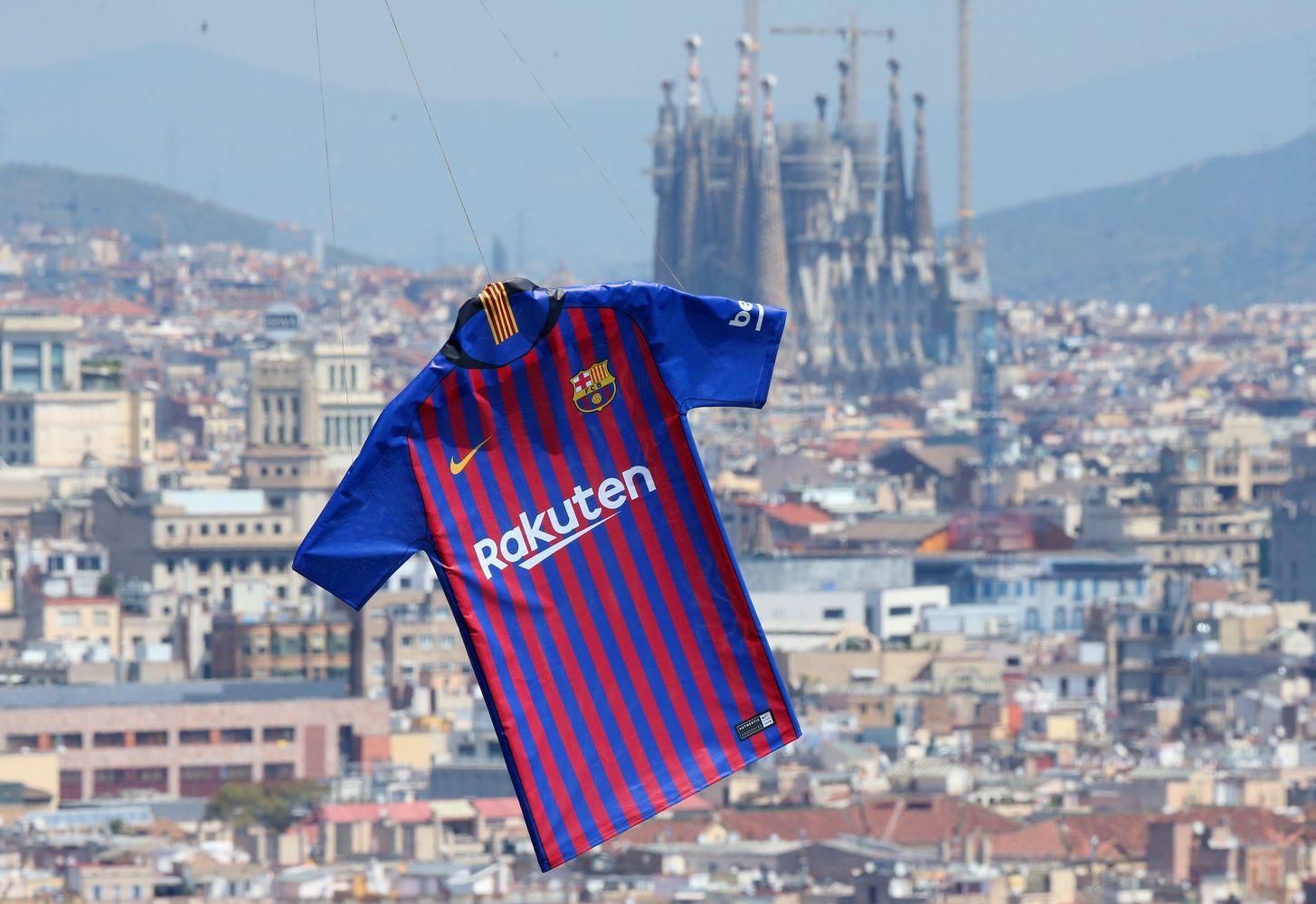 """""""Barcelonos"""" klubas gavo rekordines pajamas, artėja prie milijardo"""