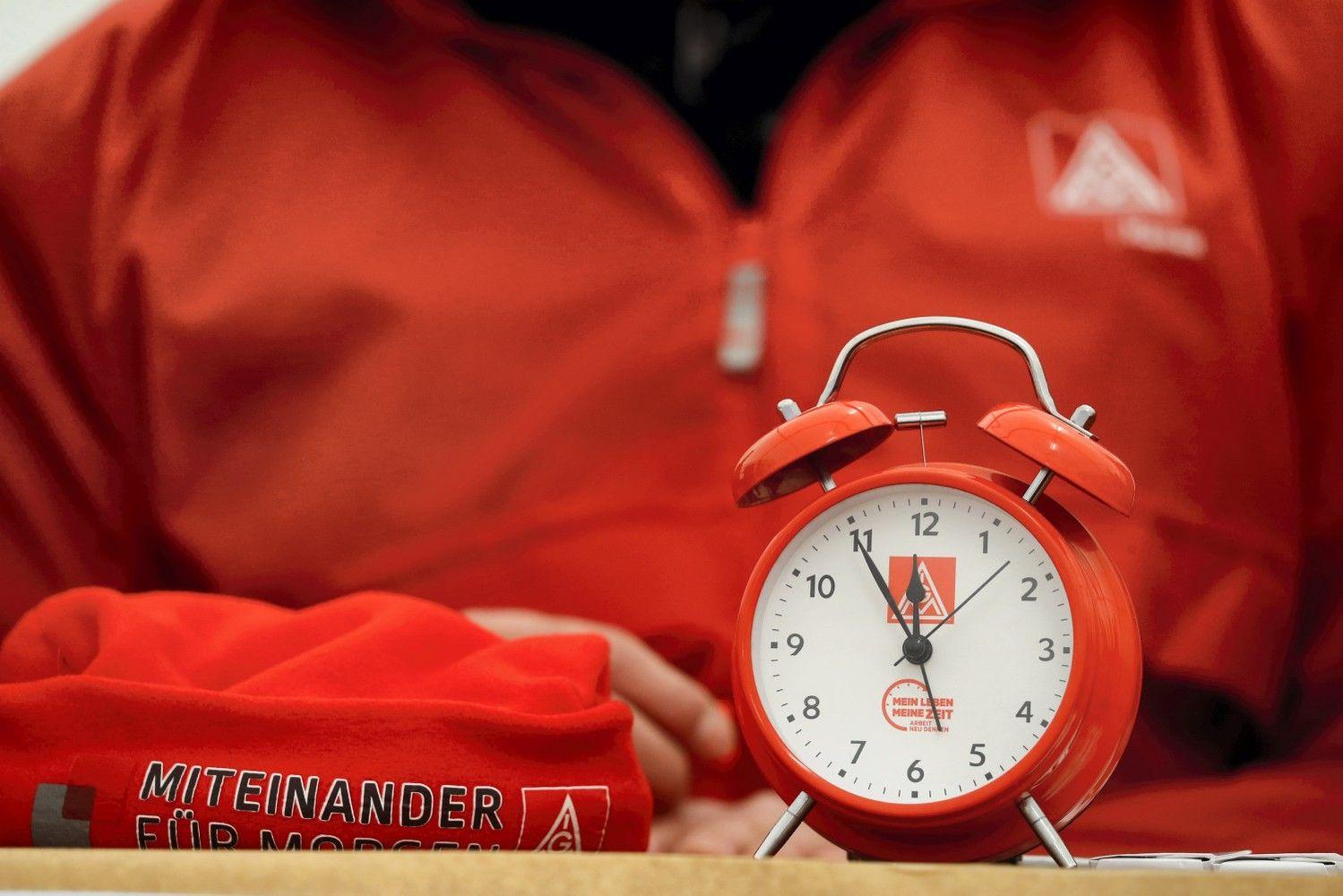 Darbo laiko organizavimas: darbuotojai išsiblaško kas 6 minutes